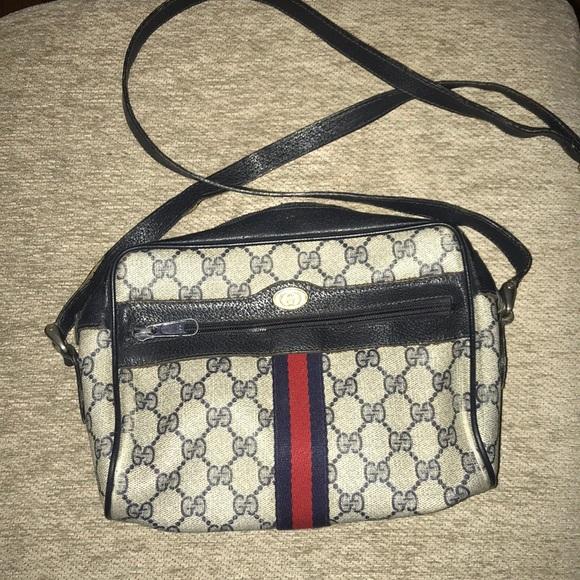 cca786138072 Gucci Handbags - Vintage Gucci Crossbody
